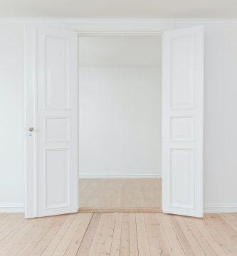 cómo lacar puertas